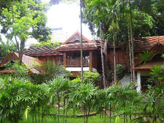 Baan Orapin Bed and Breakfast: Rear wing