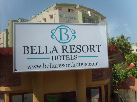 Club Bella Sun Hotel: Hoteleinfahrt
