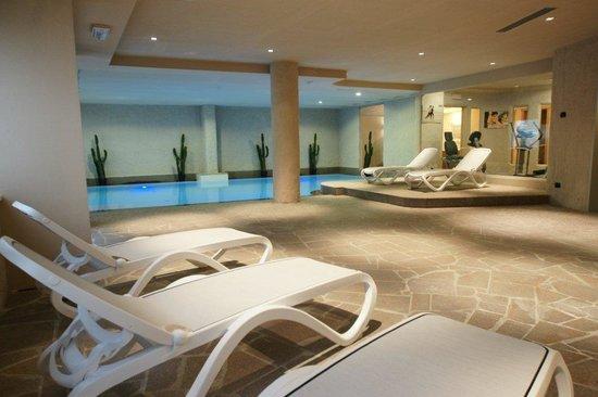 Adler family wellness clubresidence hotel moena italia - Hotel moena piscina ...