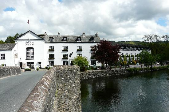 Newby Bridge, UK: Hotel frontage