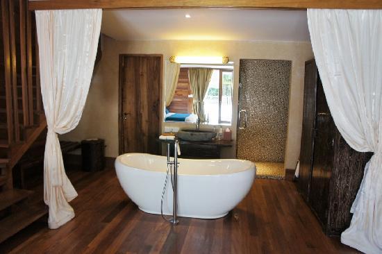 クプクプ ジンバラン, バスルーム