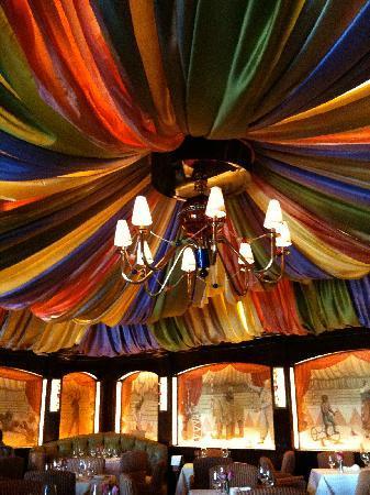 Le Cirque: Ceiling