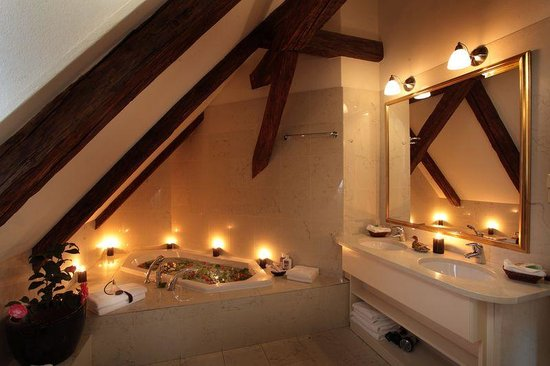 Appia Hotel Residences: Bathroom in the apartment