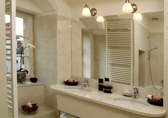 Appia Hotel Residences: Bathroom