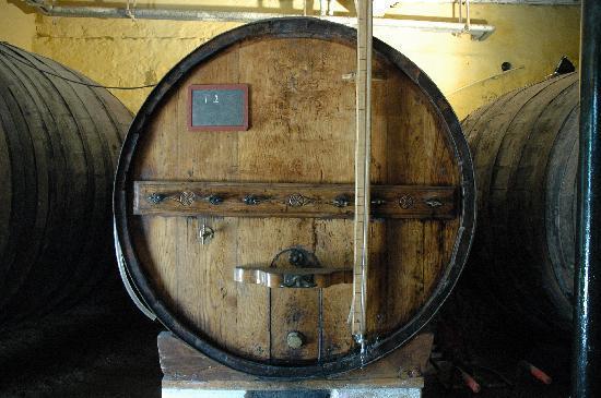 Casa da Azenha: Porto wine aging for more than 30 years!