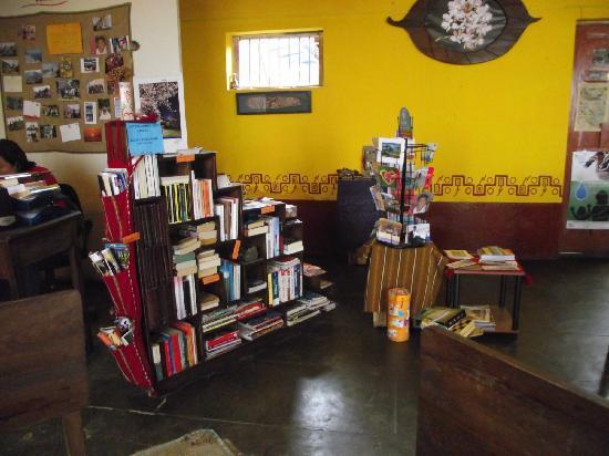 Café Fusiones: Intercambio de Libros