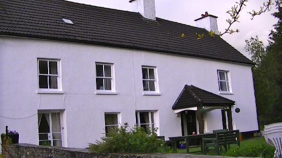 Bryndu Farm: The house
