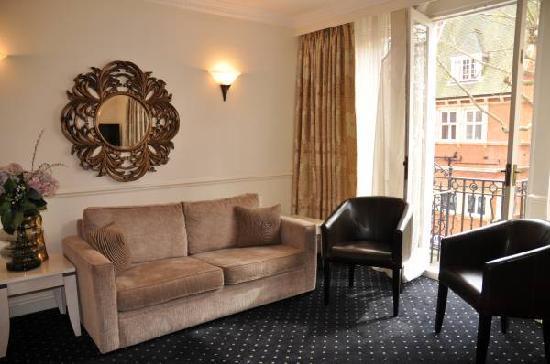 คอลิงแฮม เซอร์วิส อพาร์ทเม้นท์: Lounge at Collingham