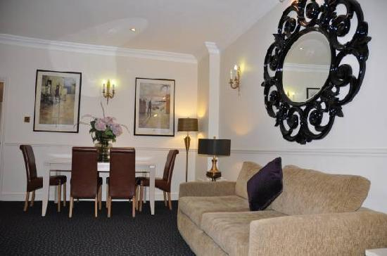 Collingham Serviced Apartments: Lower Ground Apartment