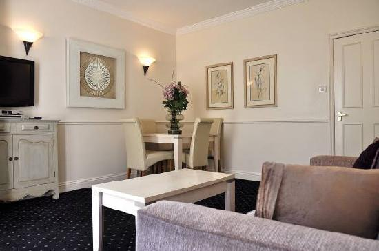 Collingham Serviced Apartments: Two Bedroom Lounge
