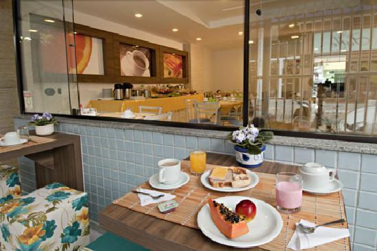 Pousada Villa Atlantica: Cafe da Manhã