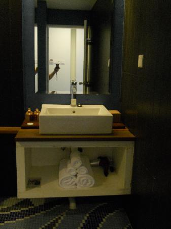 Batik Boutique Hotel: Bathroom