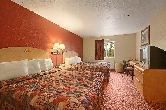 Days Inn & Suites Niagara Falls/Buffalo : 2 Queen beds