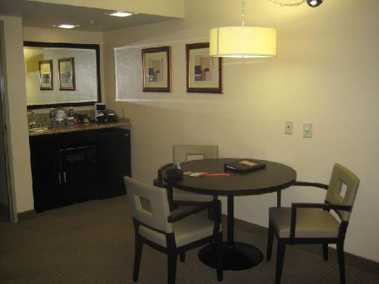Radisson Suites Hotel Buena Park: Estancia