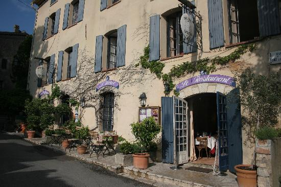 Hotel Restaurant des Deux Rocs: Front of the Hotel
