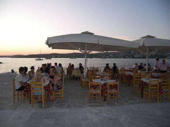 Aeoli: παραλία Παροίκιας