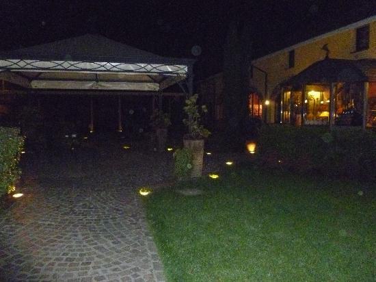 L 39 esterno del ristorante picture of ristorante cantina for L esterno del ristorante sinonimo
