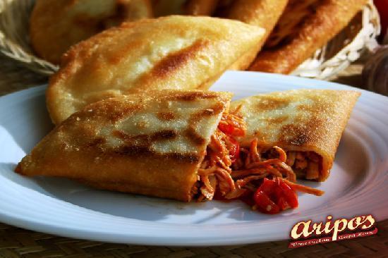 Aripo's Venezuelan Arepa House : Chicken Empanadas