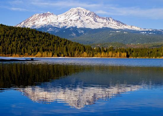 Redding, Califórnia: Mt. Shasta California's tallest volcano!