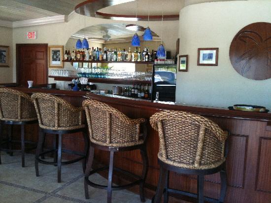 Caribbean Paradise Inn: BAR