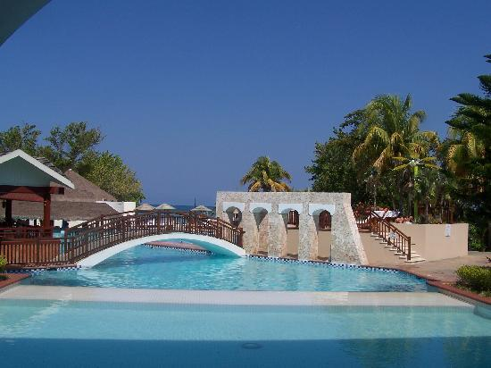 Beaches Negril Resort & Spa: Pool Area...part of one of them