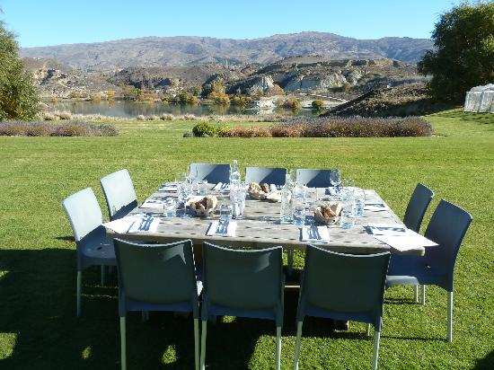 Appellation Central Wine Tours: Lunch in the Sun