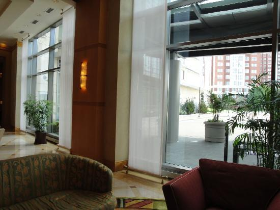 Bethesda North Marriott Hotel & Conference Center: Lobby View