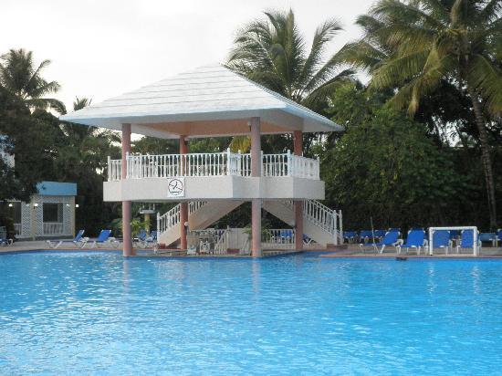 Puerto Plata Village Resort: pool bar