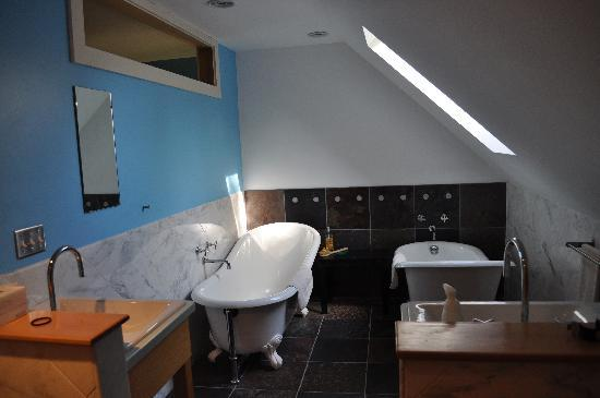 Woodstocker Inn: nice bathrom