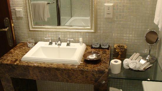 Bund Garden Hotel: バスルーム