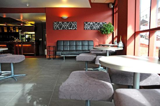Quality Hotel Hobart Midcity: Esus Lounge