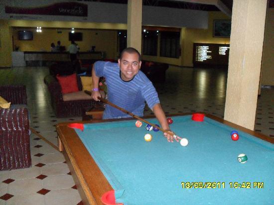 Morrocoy Coral Reef: jugando Pool