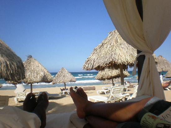 Excellence Punta Cana : Us relaxing on beds on the beach - VIP