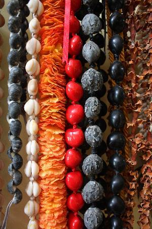 Kalaekilohana: Ceremonial beads