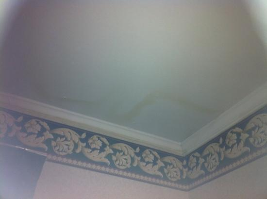 Americas Best Value Inn: stains on ceiling
