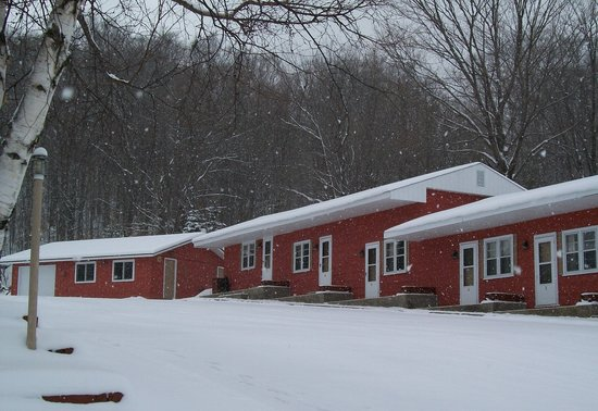 Terrace Motel: Winter... plenty of snow... Midwest's best xc ski trails... UP newtork of snowmobile trails