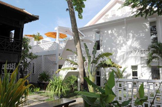 Karavansara Retreat & Residences: Garden