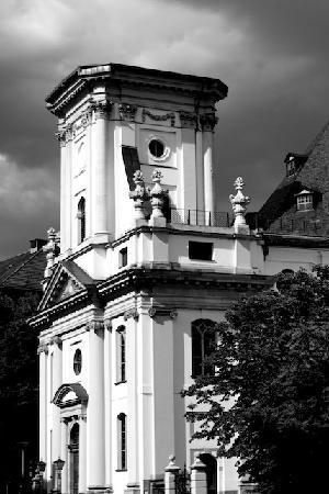 BlackBird Tours: Parochial Kirche