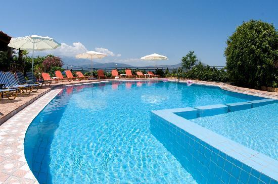 Hotel emerald bewertungen fotos preisvergleich plaka for Swimming pool preisvergleich