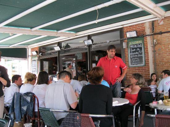 Montauban, France: la terrasse