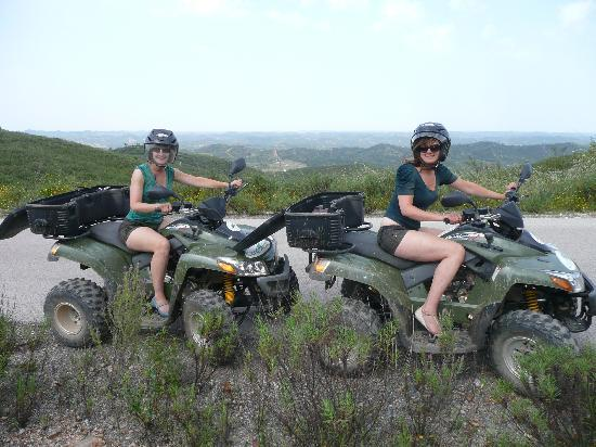 Hugo's Quad Bike Adventure : Photo break