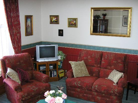 The Graystoke: Lounge