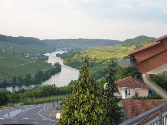 Wincheringen, Deutschland: View from our bedroom balcony