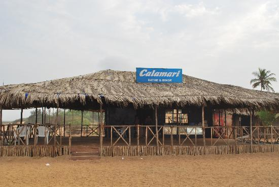 Santana Beach Resort: Calamari beach shack..Our bad luck it was closed coz of season end