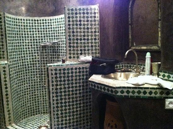 Riad Malaika : Salle de bain