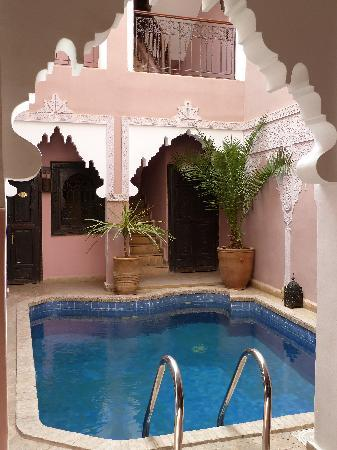 Riad des Etoiles : La piscine