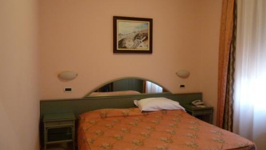 San Bartolomeo al Mare, Italien: Chambre