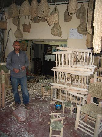 Riad Dar Tiflet: fabricant des chaises de dartiflet