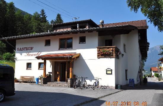 Tarrenz, Áustria: hotel