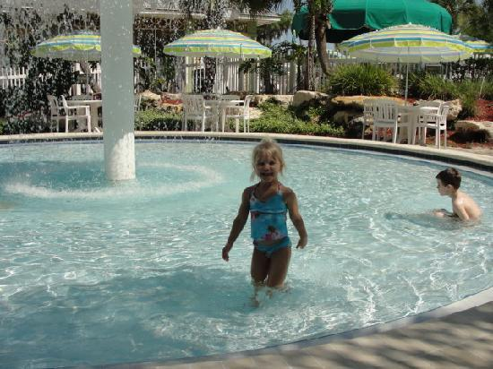 Tropical Palms Resort and Campground: Kiddie Pool